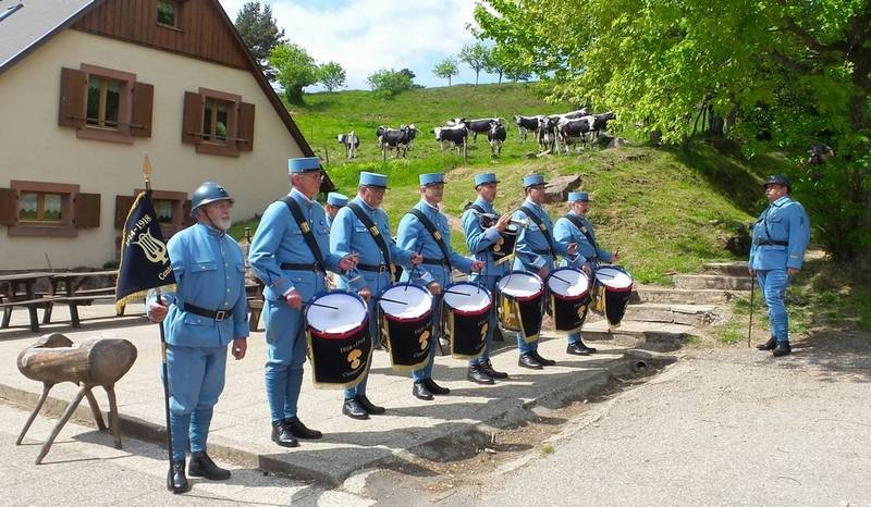 tambours_centenaire_le_linge_23-05-15_s